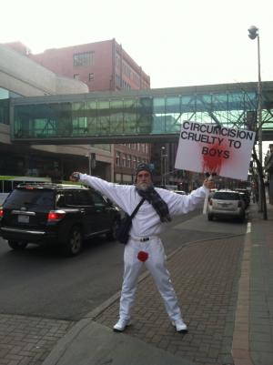 Manifestation de Brother K contre la circoncision