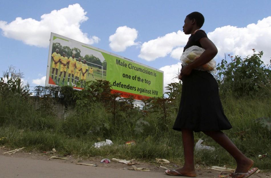 Les hommes sont encouragés à se faire circoncire pour lutter contre le VIH / SIDA