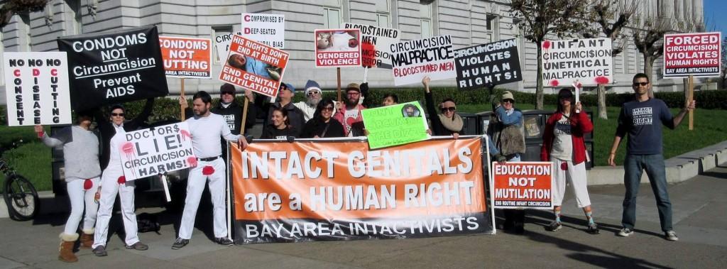 Manifestation intactiviste contre la proposition du CDC sur la circoncision