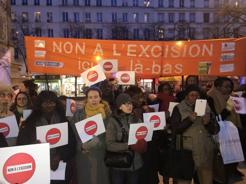 Happening non à l'excision Paris 2015